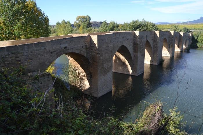 Puente de Briñas sobre el río Ebro