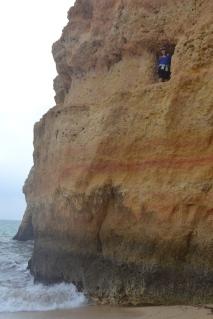Cavidades en la roca en Praia do Carvalho
