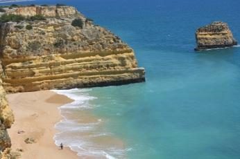 Praia da Marinha este