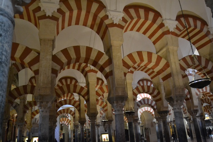 Arcadas bicolores de la Mezquita