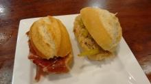 Bocadillito de bonito con guindilla y Bocadillito untado en tomate con jamón Joselito
