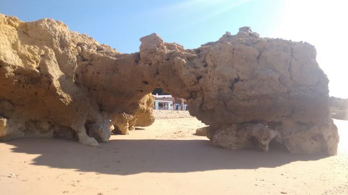 Arco de piedra de Praia Oura este