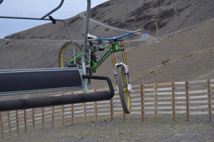 Soporte para bicicleta en el telesilla