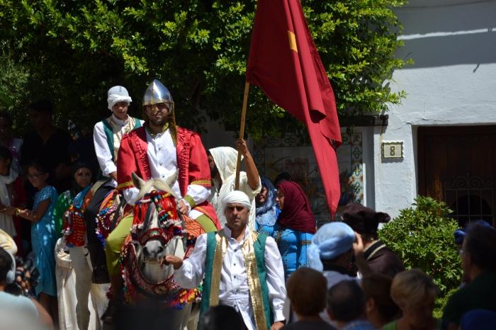 El embajador mudéjar entrando en Benalaría