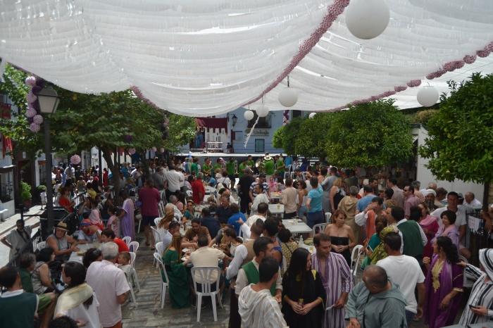 Ambiente en la Plaza de Benalauría