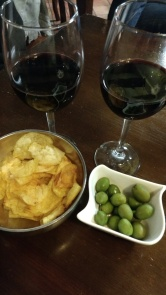 Copa de vino Mitarte y tapas en Zeitúm