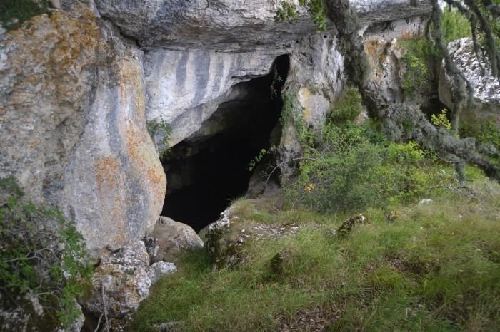 Cueva de Rojo