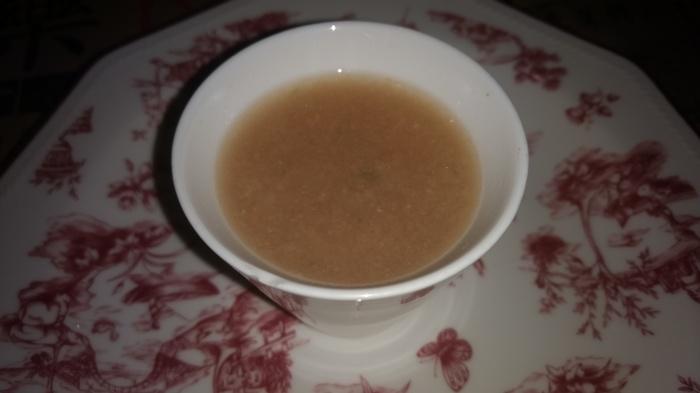 Sopa de miso y jamón con wakame y jengibre